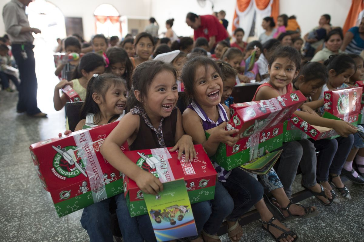 Operation Christmas Child 2017 | LIFE 96.5 LIFE 96.5